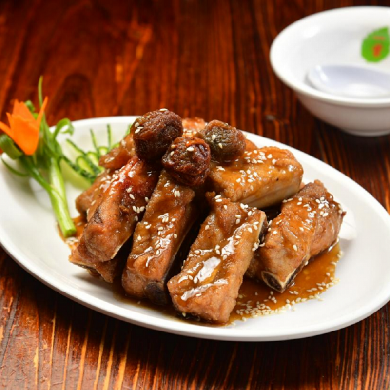Spare Ribs with Icing Plum Sauce