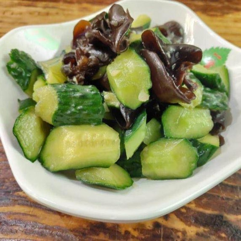 Cucumber & Black Fungus with Vinegar Sauce